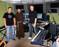 studio_20120729_1367048469